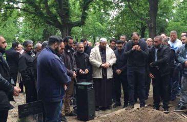 Die Toten auf islamische Art waschen